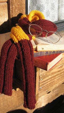 NancyOlson_WizardScarf_handknit